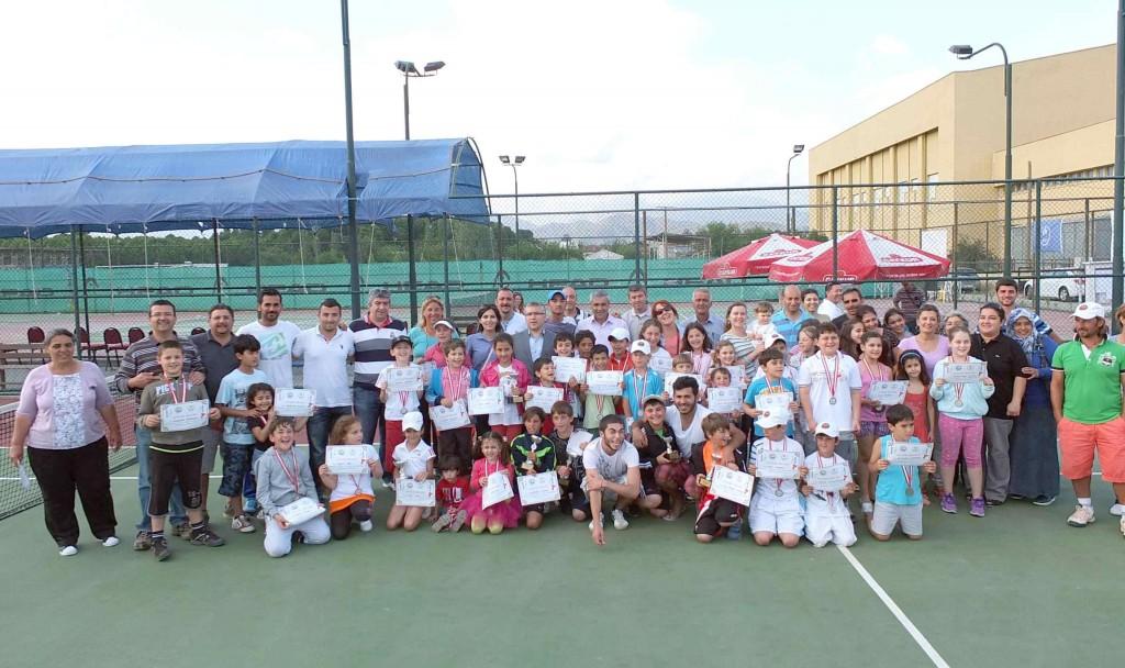 dalaman tenis turnuva 2013 05 11 05 33 38 2 - Kaymakamlık kupası tenis turnuvası
