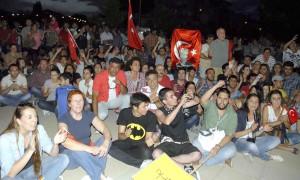 """OKUN0001 30 -  """"Taksim""""ayağa kaldırdı"""