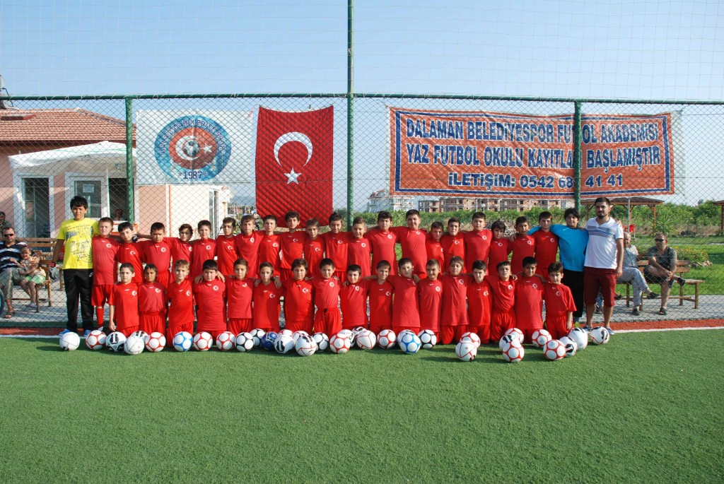 DSC 00101 - Futbol kurslarına yoğun ilgi