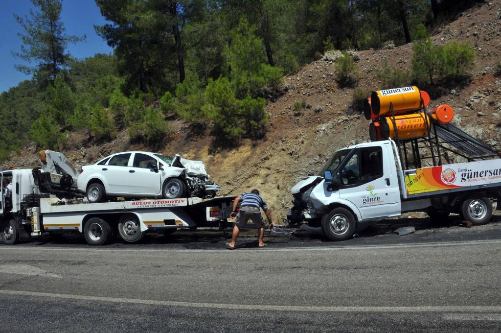 omer3 - Ortaca'da Trafik Kazası: 1 ölü 2 yaralı