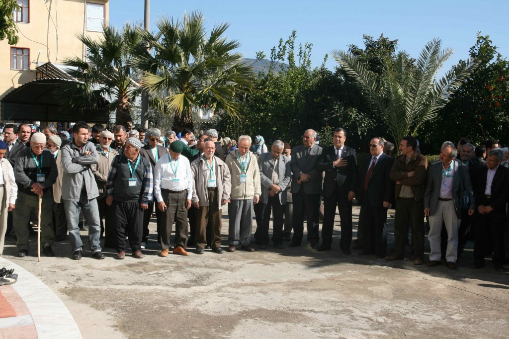 IMG 0043 - Umre yolcuları dualarla uğurlandı