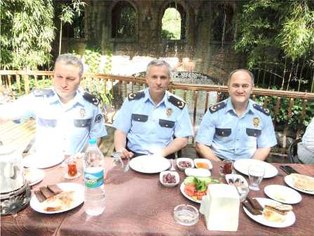 Emniyet Müdürlüğünden   Muhtarlarla Kahvaltı