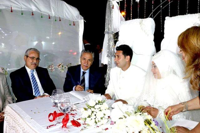 Başbakan Yardımcısı Arınç,  Nikah Şahitliği Yaptı