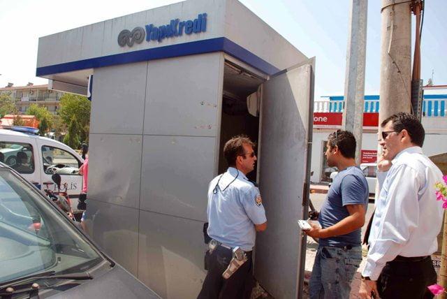 ATM'de soygun paniği