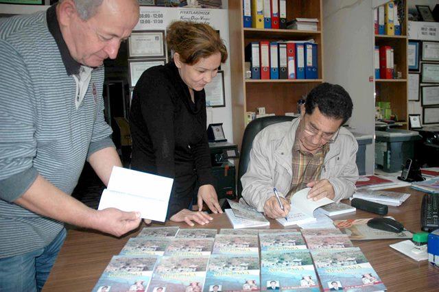 """Özdemir'in kitabı, """"Kars'tan Muğla'ya"""" çıktı"""