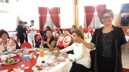 Yardımsever Kadınlar yemekte buluştu