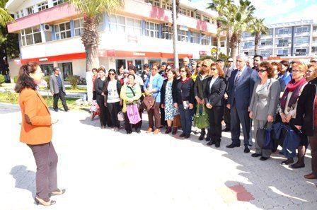 Atatürkçü Düşünce Derneği'nden Kadınlar Günü'nde Çelenk Sunma Töreni