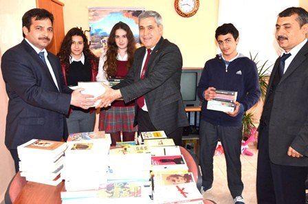 Belediyeden Anadolu Lisesi'ne kitap desteği