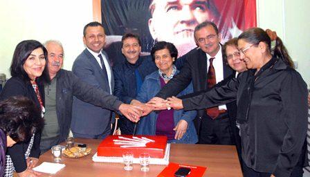 CHP Vekil adayları pasta kesti