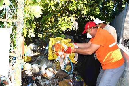 Çöp eve Belediye el attı.