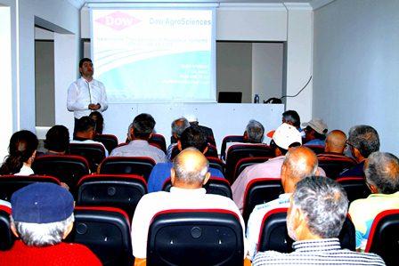 Ortaca'da narenciye üreticilerine eğitim semineri
