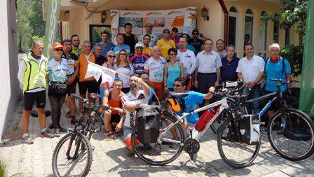 Bisikletçiler Brüksel yolunda
