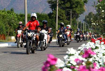 Motosikletçilerden teröre tepki