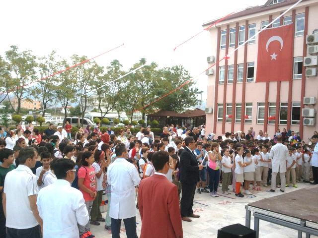 Özel Burç Meltem İlkokulu ve Ortaokulu Yeni Eğitim ve Öğretim dönemine yenilenen binası ve eğitim kadrosu ile başladı.