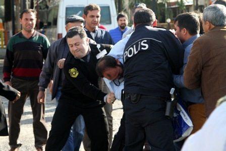 Otogarda yolcu kavga