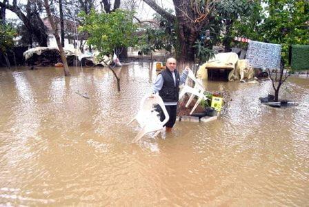 Şiddetli yağış ve dolu yaşamı olumsuz etkiledi