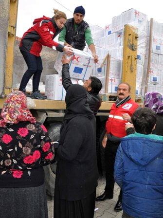 A 4 - 25 bin Suriyeli aileye yardım eli