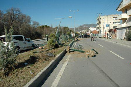 DSC 0014 - Dalaman'da feci kaza : 3 yaralı