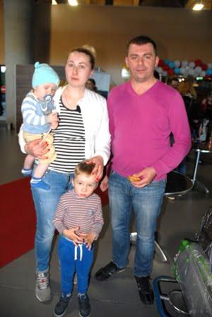 Artyom ve esi Oksana - Evlilik hediyesi Muğla tatili