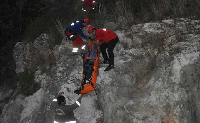 DSC 0357 - Dalaman'da zeytin toplarken kayalıklardan düştü