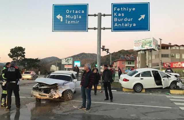 1 1 - Dalaman'da trafik kazası