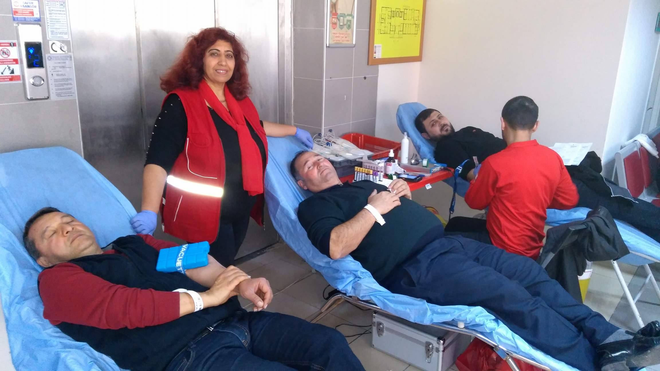 28082050 10156748905449749 1713060507 o - Hastane personelinden kan bağışı