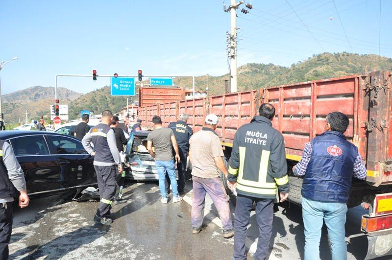 2 1 - Dalaman'da zincirleme trafik kazası