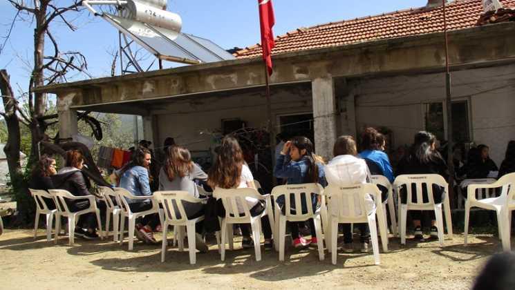 IMG 0339 - Öğrenciler şehit Fuat Demir'i andı