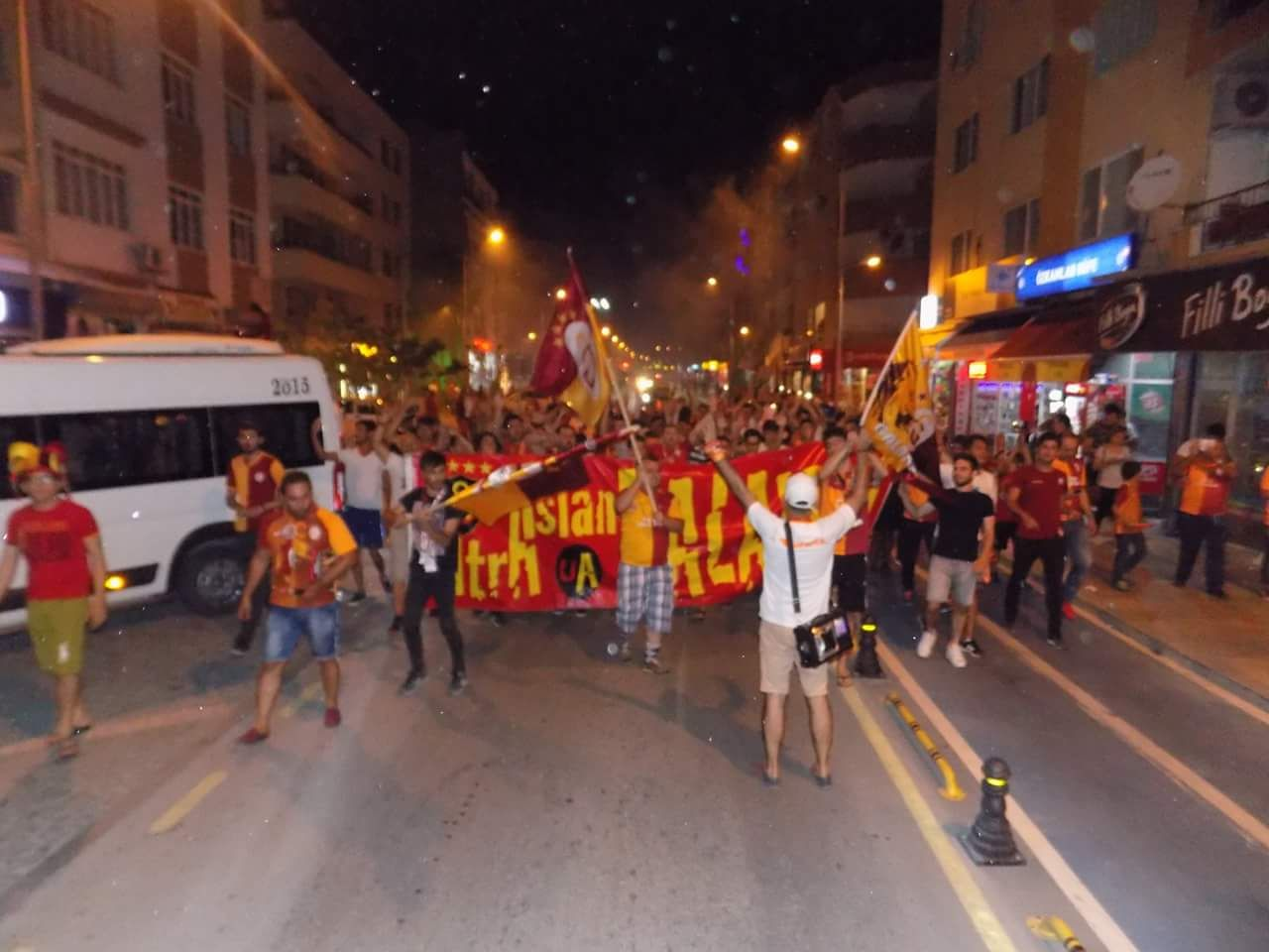 IMG 20180520 WA0055 - Dalaman'da Galatasaray'ın şampiyonluk kutlaması