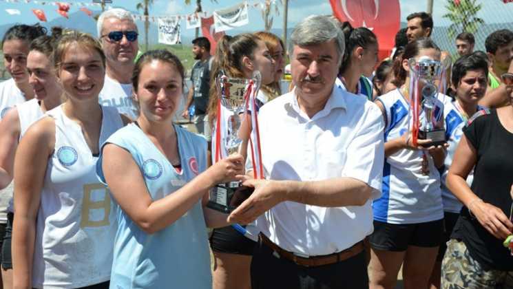 DSC 0103 - Üniversiteliler Köyceğiz'de Plaj hentbolunda buluştu