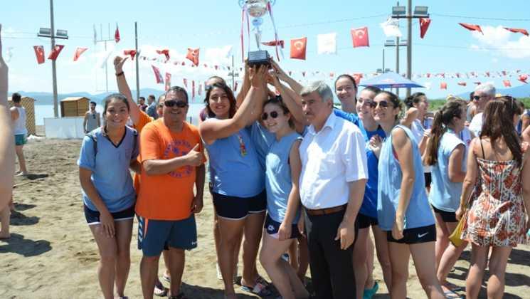 DSC 0134 - Üniversiteliler Köyceğiz'de Plaj hentbolunda buluştu