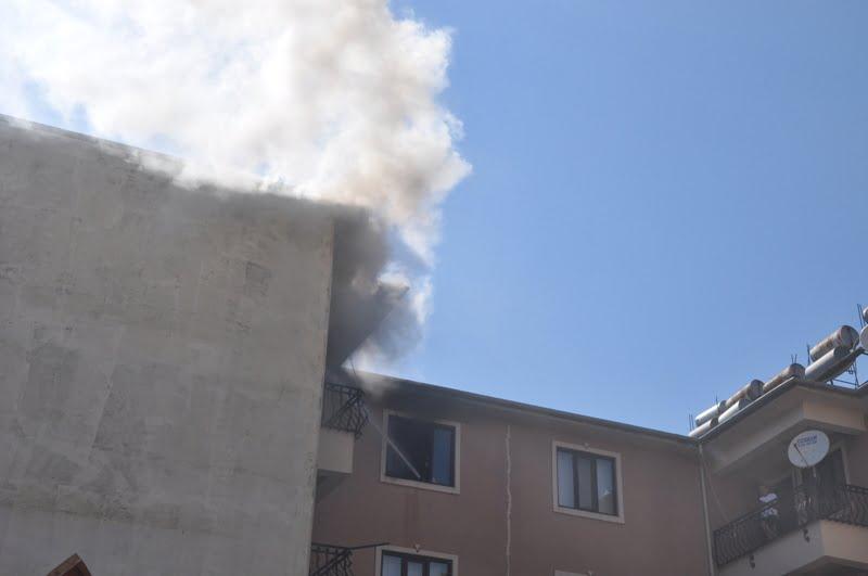 DSC 8172 - Dalaman'da ev yangını